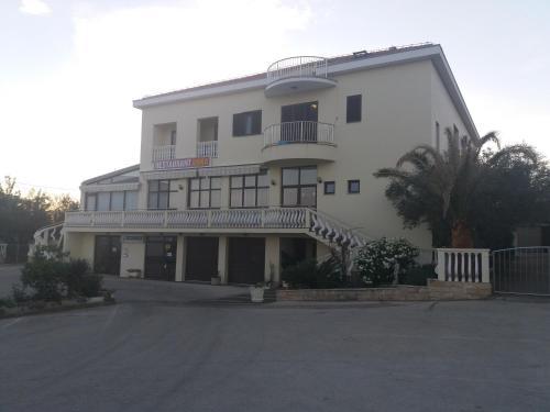 Guest House Krševan, 23000 Zadar
