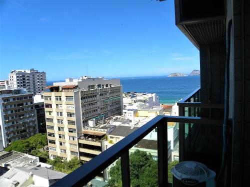 Tiffanys Ipanema Apartment