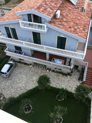 . Villa George