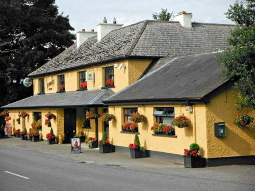 . No. 11 Tipperary Thatched Cottage, Nenagh