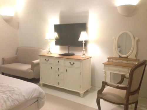 2 bedrooms suite, beach front condo Hua Hin 2 bedrooms suite, beach front condo Hua Hin
