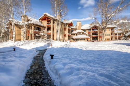 Trappeurs Crossing Resort & Spa - Platinum Collection - Steamboat Springs, CO 80487