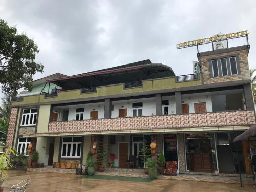 . Kayan Golden Sky Motel