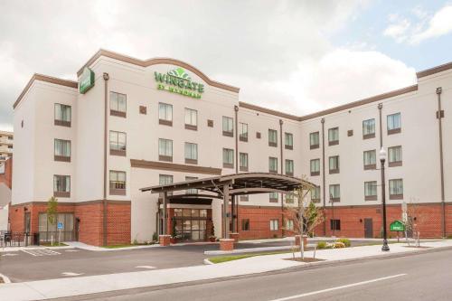 Wingate by Wyndham Altoona Downtown/Medical Center - Hotel - Altoona
