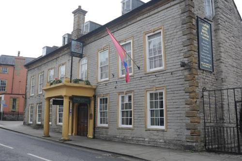 . Langport Arms Hotel
