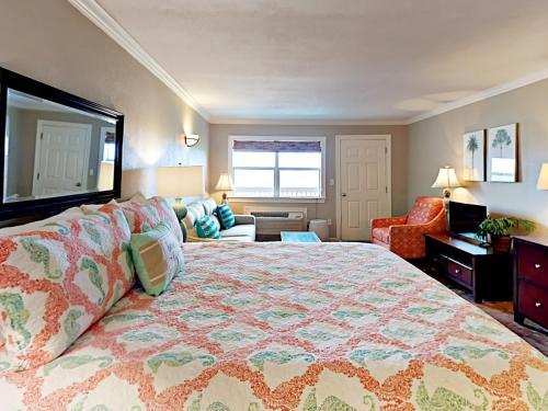 142 Sea Breeze   One Bedroom Condo