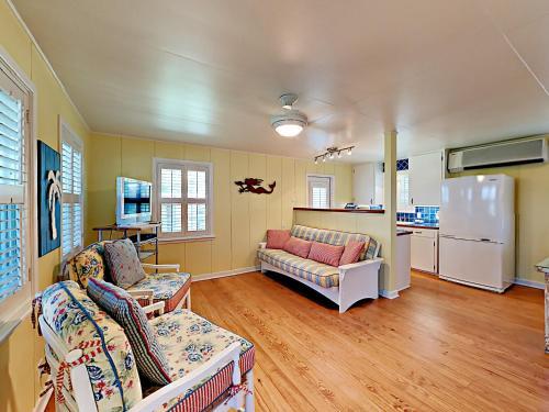 Breezy Cottage   One Bedroom Home