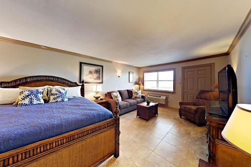 144 Sea Breeze   One Bedroom Condo