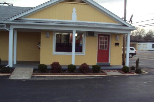 . Sunrise Inn - Brownsville