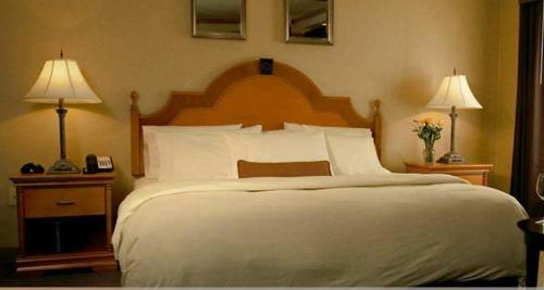 Ambassador Hotel - Milwaukee, WI WI 53233