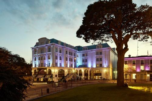 . Killarney Plaza Hotel & Spa