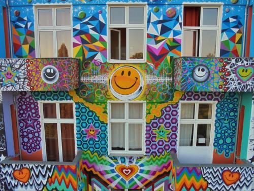 Happy go Lucky Hotel + Hostel photo 64