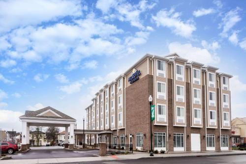 . Microtel Inn & Suites by Wyndham - Penn Yan
