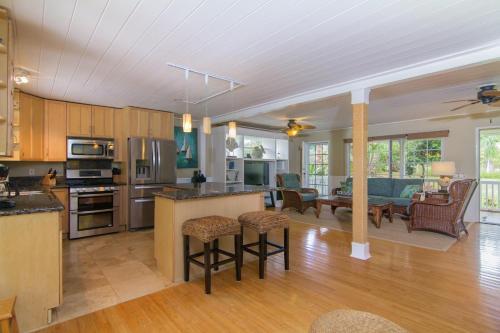 Paradise Pool Home - Princeville, HI 96722