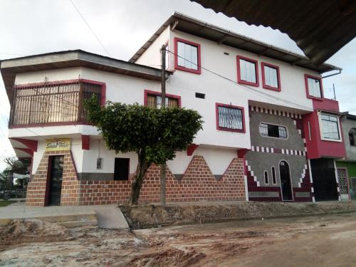 Hotel Sarisa House