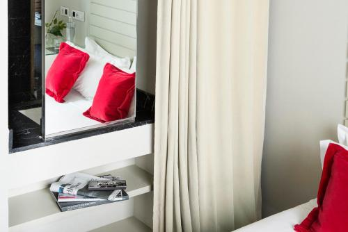 Interior Double or Twin Room with Guggenheim Package - single occupancy Hotel Miró 2