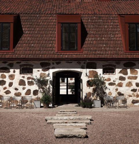 Wanås 289 90, Knislinge, Sweden.
