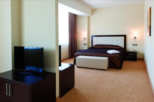 Tcc Grand Plaza Hotel - Photo 8 of 62