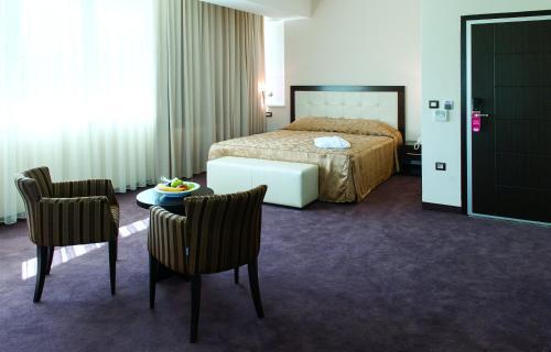 Tcc Grand Plaza Hotel - Photo 7 of 62