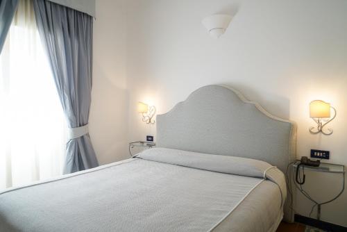 Via Regina Giovanna, 5, 84017 Positano SA, Italy.