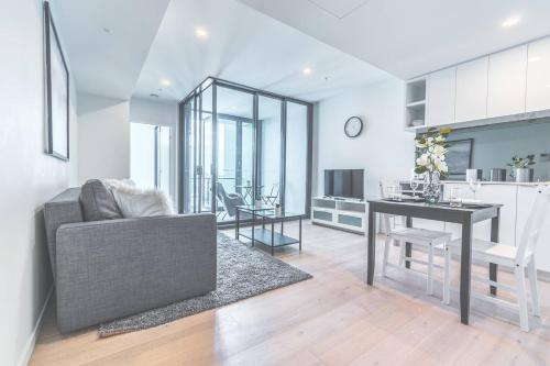 Stylish 1 Bedroom Pad In Great Location With Pool
