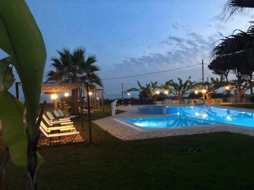 . Glyfa Beach Hotel