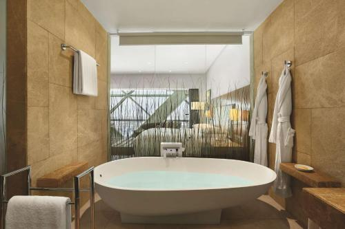 Andaz Capital Gate Abu Dhabi - a concept by Hyatt photo 21