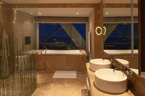 Andaz Capital Gate Abu Dhabi - a concept by Hyatt photo 65