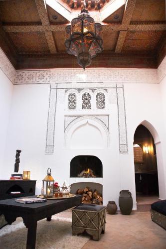 1 Derb Sidi Ahmed Ben Nacer, Kaat Bennahid, 40030 Marrakech, Morocco.