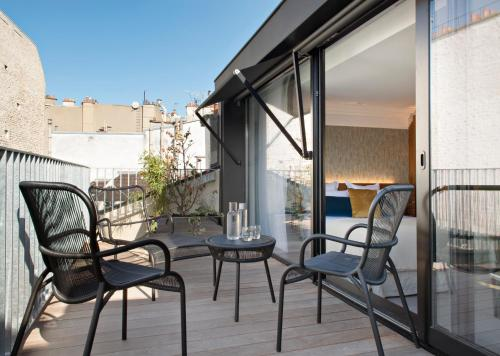 19 Rue Saulnier, 75009 Paris, France.