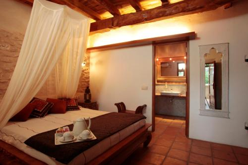 Deluxe Double or Twin Room with Terrace Can Lluc Hotel Rural 3