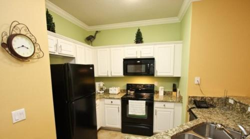 Upgraded 3 Bedroom 2 Bath Town Home 1.5 Miles To Disney Main image 1
