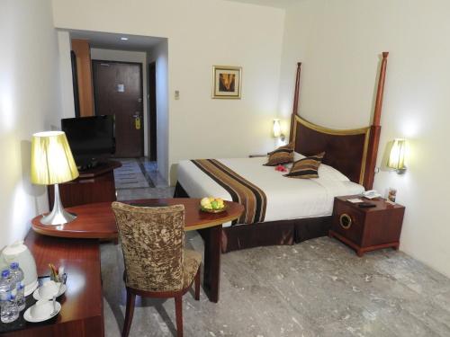 Crown Vista Hotel photo 40
