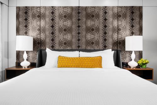 Hotel Arts - Calgary, AB T2R 0G8