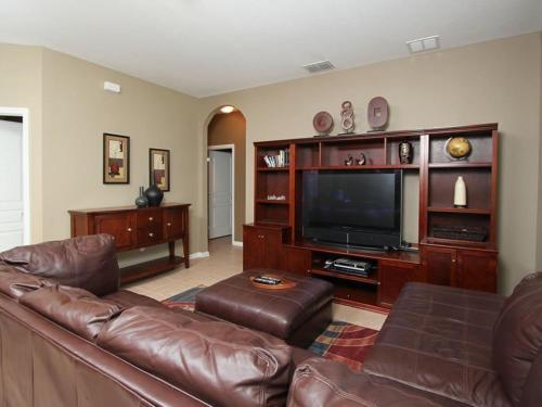 Large 6 Bedroom Pool Home In Windsor Hills Resort