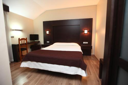 . Hotel Anabel Baza