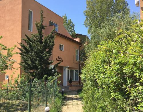 . Vila Smarald Apartments