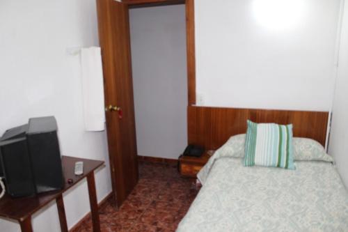 Pension Americano room photos