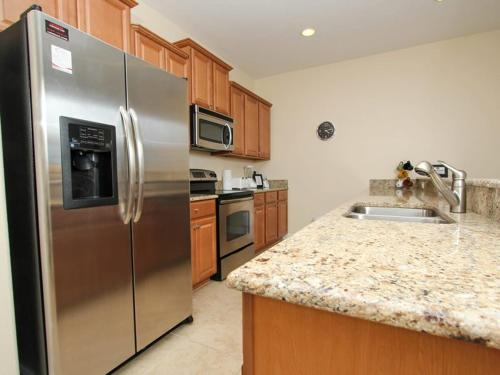 Lovely Paradise Palms 4 Bed 3 Bath Town Home Main image 2