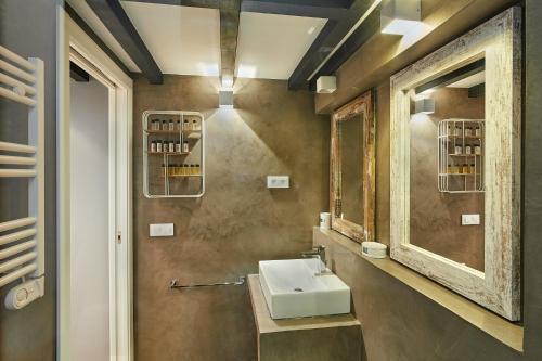 Urban District Apartments-Vintage Suites & Loft photo 62