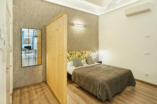 Urban District Apartments-Vintage Suites & Loft photo 64
