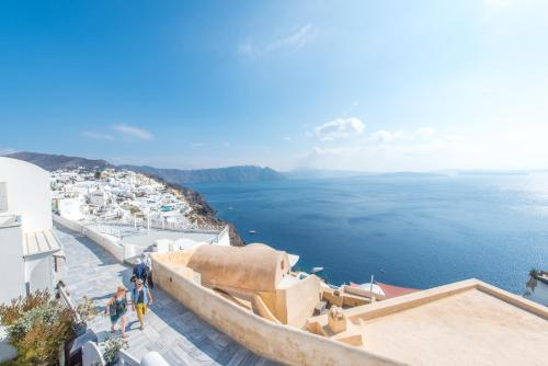 Oia, 84702, Santorini, Cyclades, Greece.