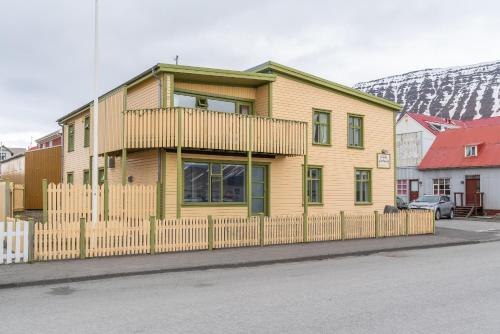 . Isafjordur Hostel