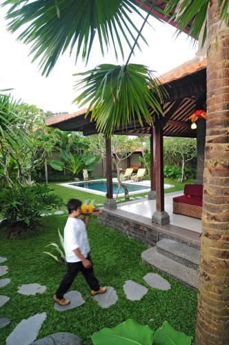 Bali Aroma Exclusive Villas In Seminyak From 96 Trabber Hotels