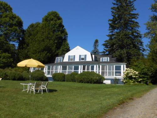 High Tide Inn On The Ocean Motel And Cottages - Camden, ME 04843