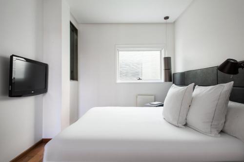 Suites Avenue photo 22