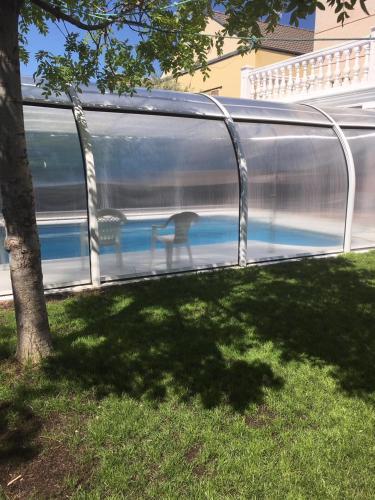 . Casa Rivas con piscina abierta todo el año