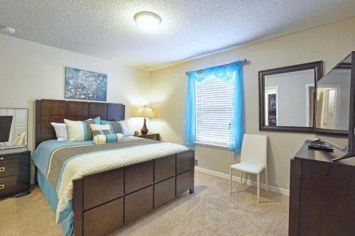 Windsor at Westside-9 Bedrooms House w/pool-3704WW Main image 1
