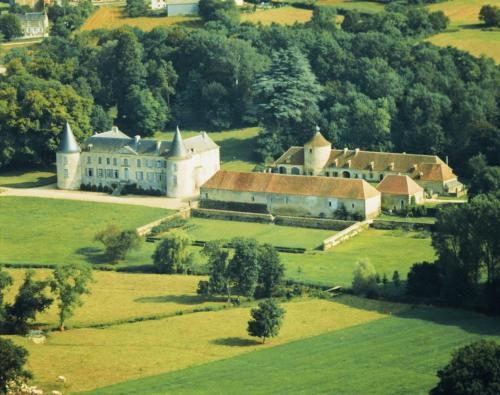 Chateau De Beaujeu