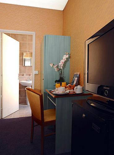 Auriane porte de versailles h tel 60 rue olivier de serres 75015 paris adresse horaire - Olivier de serres portes ouvertes ...